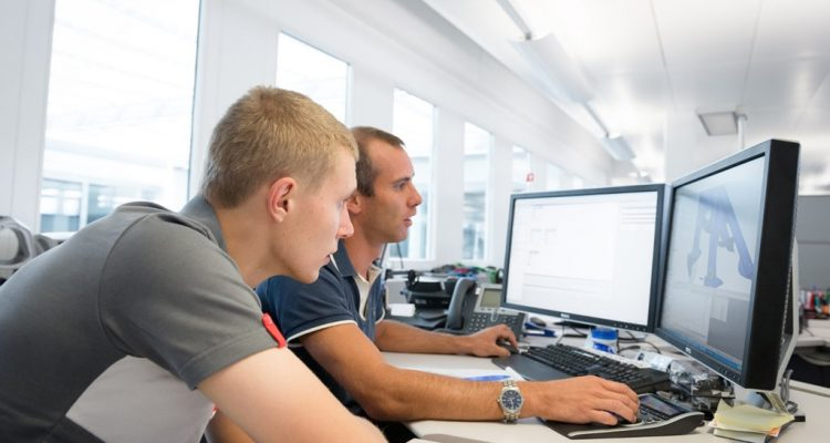 Sergey_Sirotkin-Sauber_F1_Team.jpg