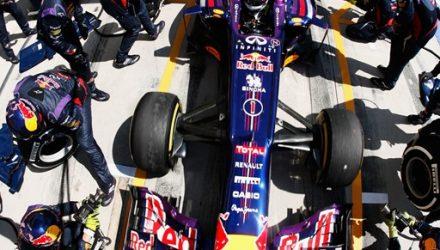 Sebastian_Vettel-PitStop.jpg