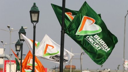 Buddh_International_Circuit-Flags.jpg