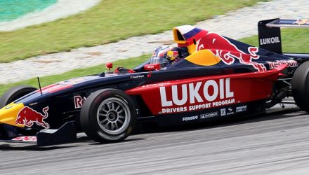 Daniil_Kvyat-Formula_BMW-Racing.jpg