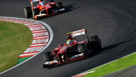 Felipe_Massa-leadind_Fernando_Alonso-Japanese_GP.jpg