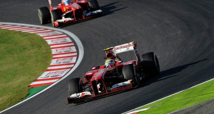 Felipe_Massa-leadind_Fernando_Alonso-Japanese_GP.jpg