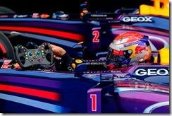 Sebastian_Vettel-Japanese_GP-P01