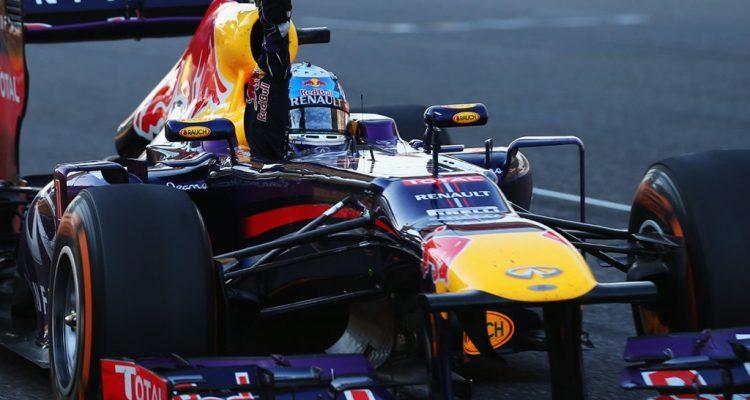 Sebastian_Vettel-Japanese_GP-R02.jpg
