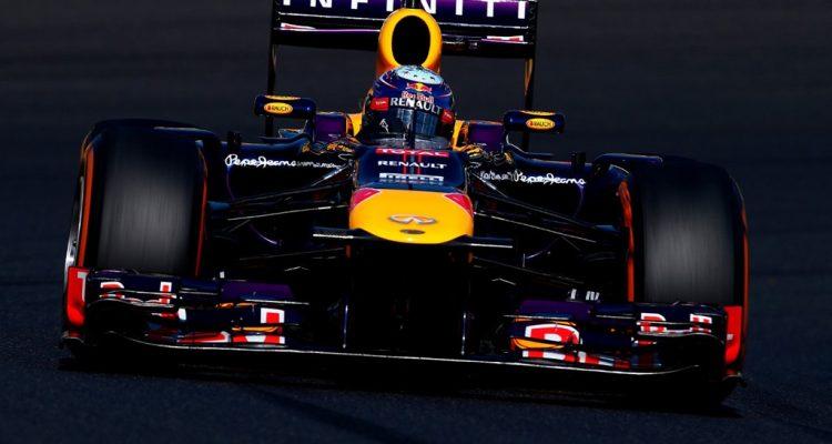 Sebastian_Vettel-Japanese_GP-R03.jpg