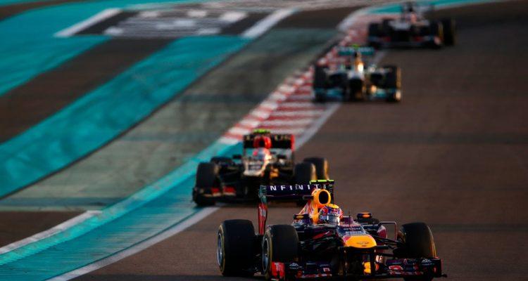 Mark_Webber-Abu_Dhabi-GP-R01.jpg