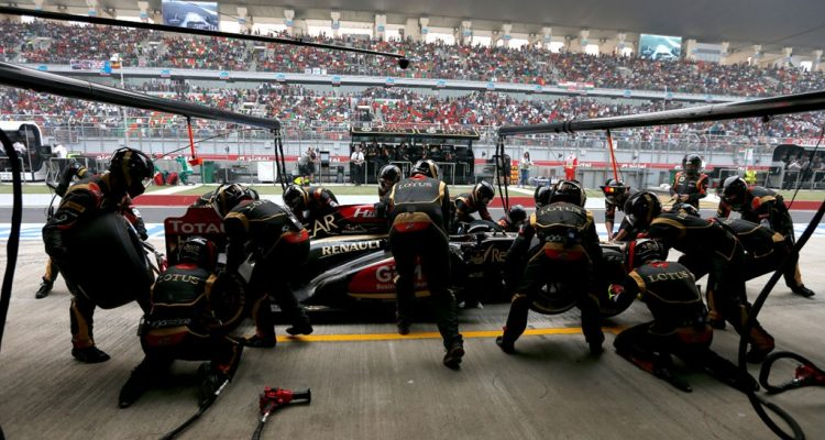 Lotus_F1_Team-PitStop-Indian_GP.jpg
