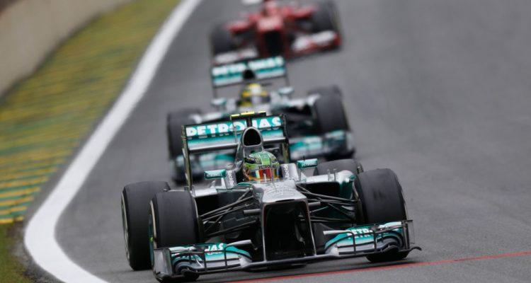 Mercedes_GP-Cars-Brazil_2013.jpg