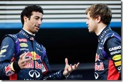Daniel_Ricciardo-and-Sebastian_Vettel