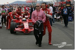 11.05.2008 Istanbul, Turkey,  David Robertson (GBR), Manager of Kimi Raikkonen - Formula 1 World Championship, Rd 5, Turkish Grand Prix, Sunday Pre-Race Grid - www.xpb.cc, EMail: info@xpb.cc - copy of publication required for printed pictures. Every used picture is fee-liable. © Copyright: Photo4 / xpb.cc - LEGAL NOTICE: THIS PICTURE IS NOT FOR ITALY