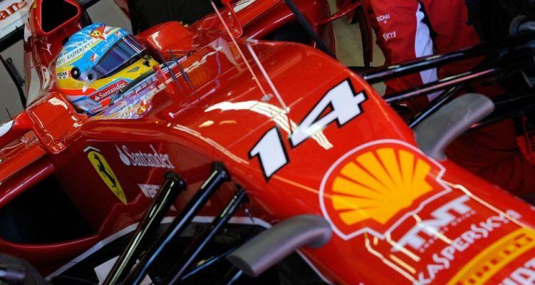 Fernando_Alonso-Ferrari_F14T.jpg