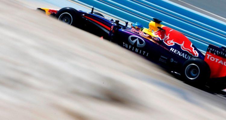 Sebastian_Vettel-Bahrain_tests-RB10.jpg
