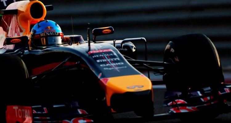 Sebastian_Vettel-RB10-Bahrain_Tests-T01.jpg