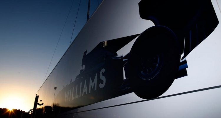 Williams_F1_Team-Truck.jpg