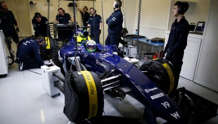 Williams_Garage-Bahrain_tests.jpg