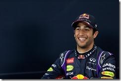 Daniel_Ricciardo-Australian_GP_2014-S02
