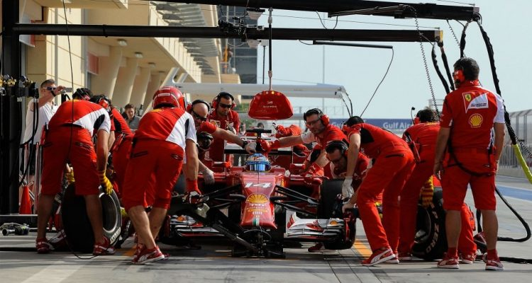 Fernando_Alonso-Bahrain_tests-F02.jpg
