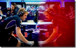 Red_Bull-Garage-Australian_GP-2014