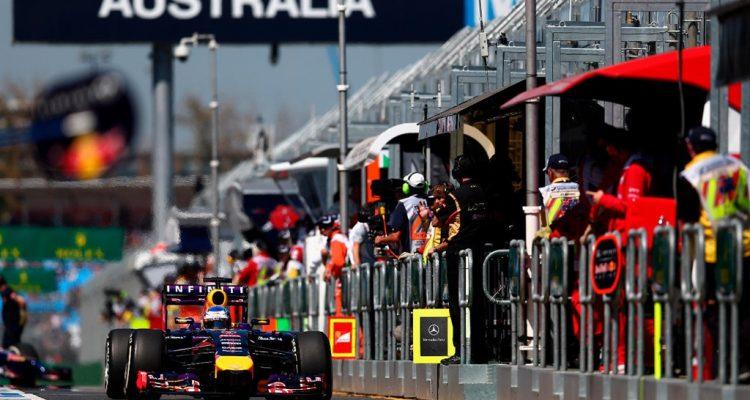 Sebastian_Vettel-Australian_GP-2014-F01.jpg