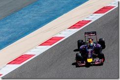 Sebastian_Vettel-RB10-Bahrain-Action