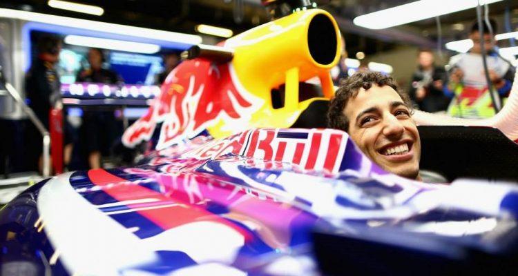 Daniel_Ricciard-Chinese_GP-2014-F02.jpg