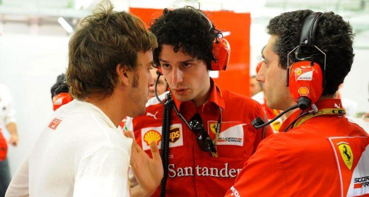 Fernand_Alonso-Bahrain_GP-2014-S01.jpg