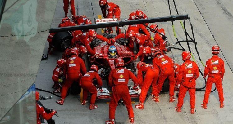 Fernando_Alonso-Malaysian_GP-2014-PitStop.jpg