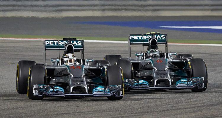 Lewis_Hamilton-and-Nico_Rosberg-Bahrain-2014-Racing.jpg