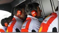 Marco_Mattiacci_Ferrari_Pitwall-Chinese_GP-2014
