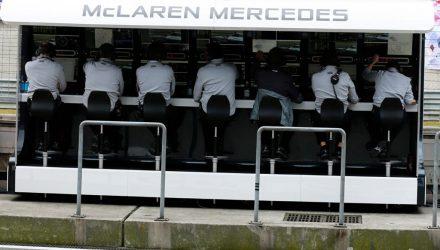 McLaren-Mercedes-Pitwall-Chinese_GP-2014.jpg