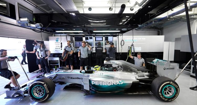 Mercedes_GP-Garage-Bahrain-2014-Tests.jpg
