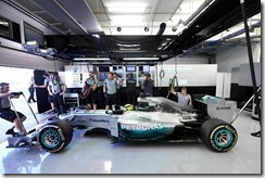 Mercedes_GP-Garage-Bahrain-2014-Tests