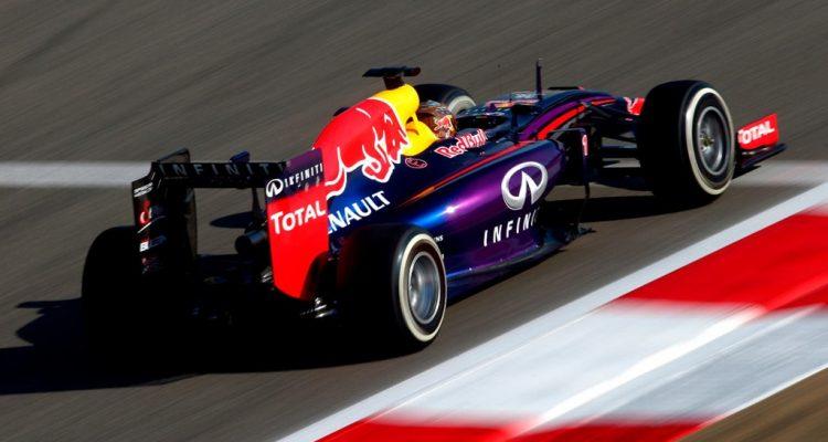 Sebastian_Vettel-Bahrain_GP-2014-R04.jpg
