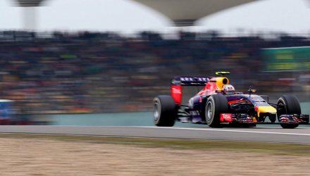 Sebastian_Vettel-Chinese_GP-2014-R01.jpg