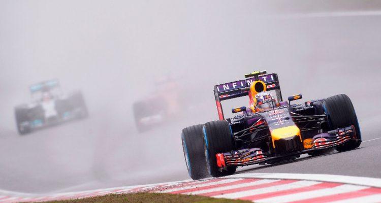 Daniel_Ricciardo-Chinese-GP-2014-S03.jpg