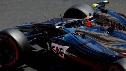 Kevin_Magnussen-Monaco_GP-2014-R01.jpg
