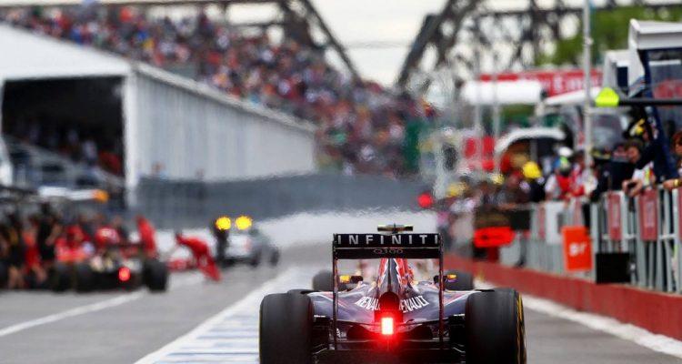 Daniel_Ricciardo-Canadian_GP-2014-R04.jpg