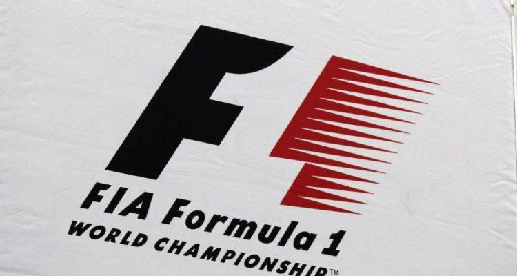 F1-logo-flag.jpg