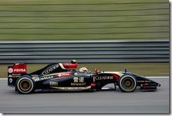 Pastor_Maldonado-Lotus-Renault