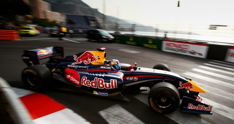 Carlos-Sainz-Jr-WSR-Monaco-2014.jpg