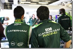 Caterham_F1_Garage-Silverstone-Tests