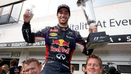 Daniel_Ricciardo-Hungarian_GP-2014-S02.jpg