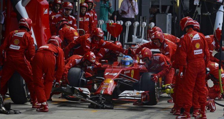 Ferrari-PitStop-British-GP-2014.jpg