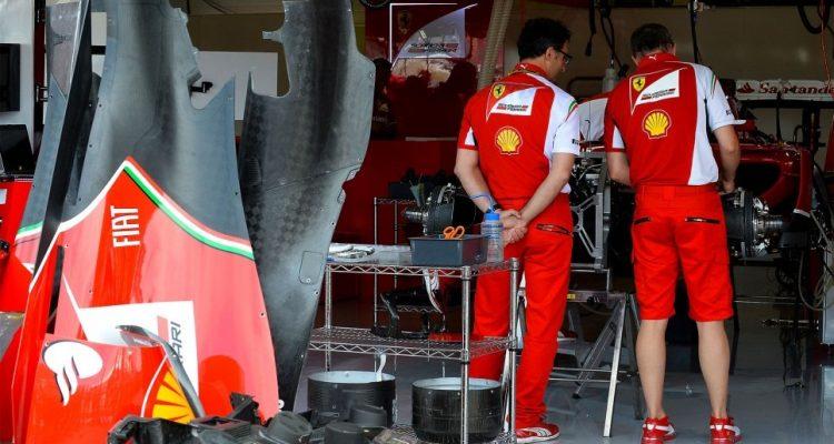 Ferrari_Garrage-British_GP-2014.jpg