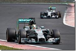 Hamilton-Rosberg-Hungarian_GP-2014
