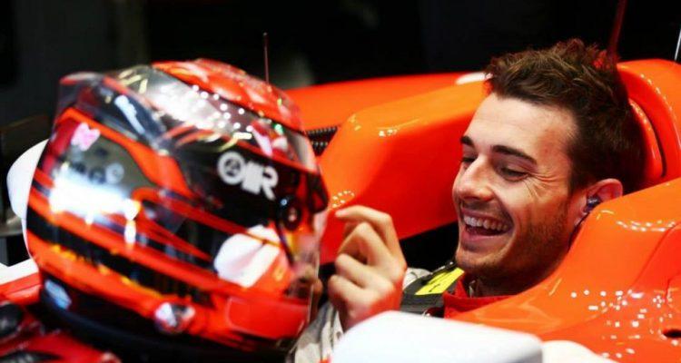 Jules_Bianchi-Marussia-F1_Team-Silverstone-Tests.jpg