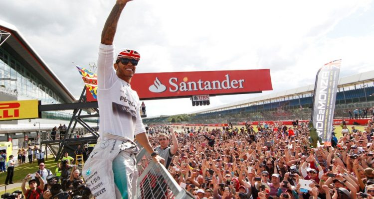 Lewis_Hamilton-British_GP-2014-R03.jpg