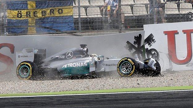 Lewis_Hamilton-German_GP-2014-S03.jpg