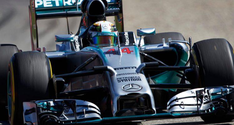 Lewis_Hamilton-Hungarian_GP-2014-F01