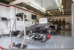 Sauber_F1_Team-Garage-Hungarian_GP-2014